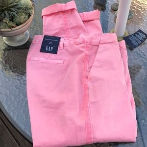 NWT GAP girlfriend chino. 🍑 Great peachy color!